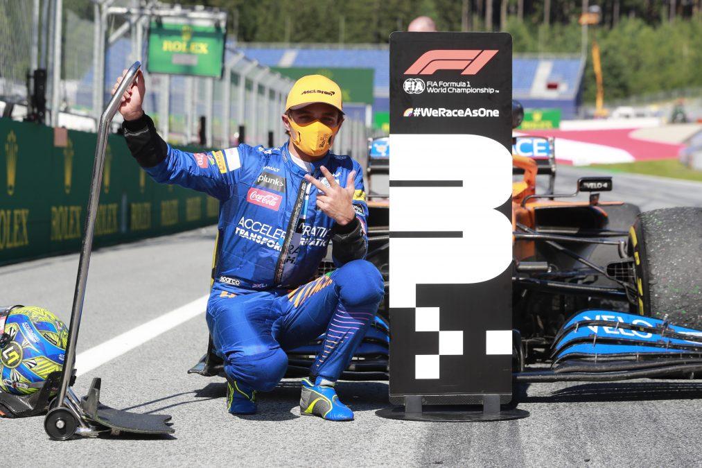 Norris blij bij zijn nummer drie bordje na de race
